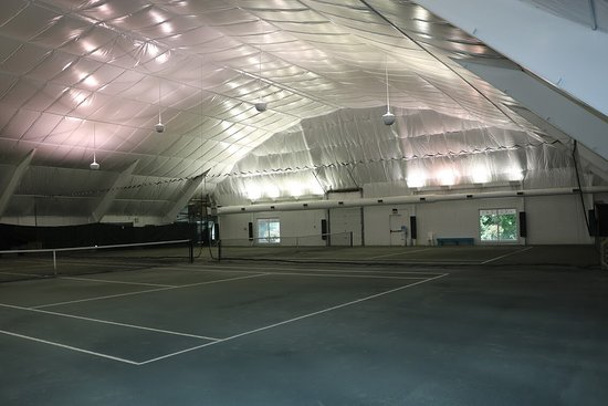 Corolle, Caroline du Nord : Indoor Clay Courts!