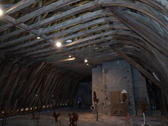 La Pacaudiere, Francia: Amazing carpentry in roof space, Le Petit Louvre