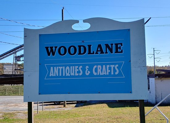Altavista, VA: Great place to shop. Wide variety of antiques and crafts. Friendly and great prices