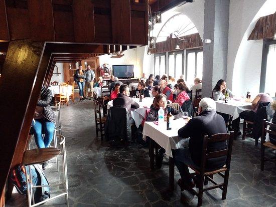 Pont d'Arrós, España: come tranquilo con musica chill aut y comida casera y a la brasa