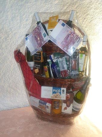 Pont d'Arrós, España: sorteo de una cesta , en la cual e puedes llevar 1000 eu
