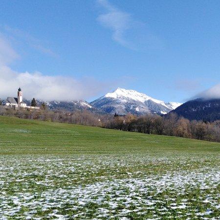 Carano, Italie : Spolverata di neve.. Sulle cime di Santa e Cornon