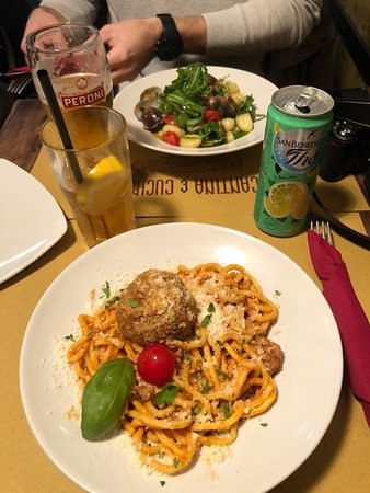 Barátságos étterem, barátságos kiszolgálás