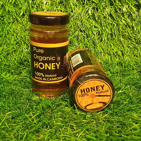 100% organic honey . Made in Cambodia . Good quality 👍💪. Available at Souvenir Select #tour  #travel #cambodia_p