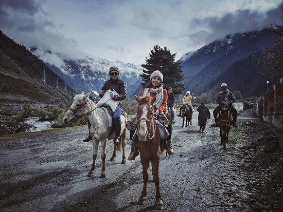 Sonamarg, India: horse riding