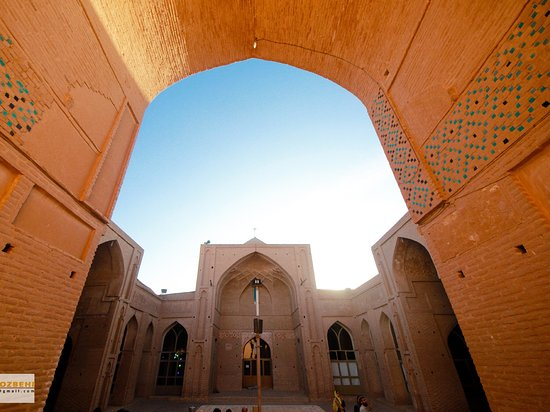 Ardestan, Irán: Great mosque of Zavareh, the first 4  balcony mosque in Iran. It's history go back to 11th AC.