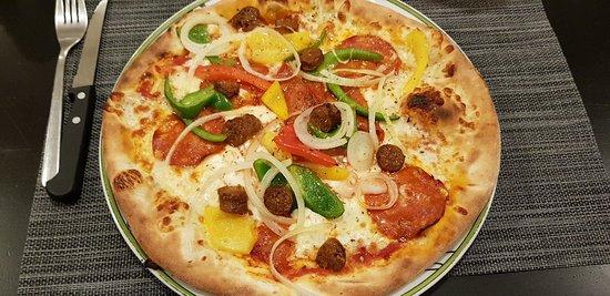 Sans aucun doute la meilleure pizzeria que je connaisse en France.
