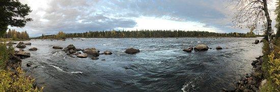 Torne River (Torneälven) in Tornefors, Junosuando
