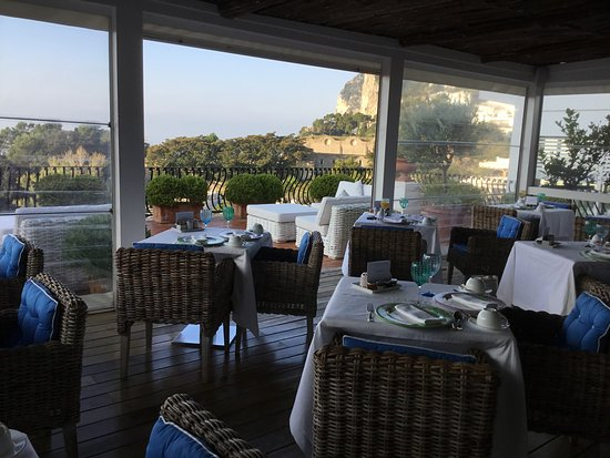 Breakfast room at La Minerva!