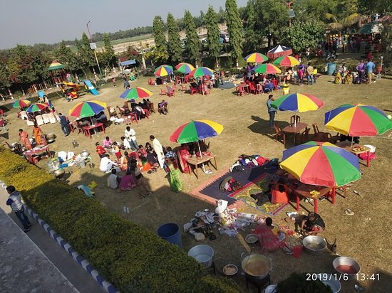 Malda District, Индия: This place has regular Conference, Parties, Marriage, Birthday Party, Social Functions, Corporate Event, Picnic especially in the winter season.  Aquatic also has a Conference Hall, Mini Hall, Deluxe AC Room & Food Courts (Aqua Restaurant).