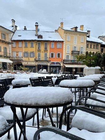 Neve in Piazza Mercato