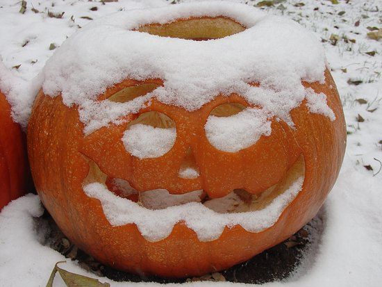 Canby, MN: Snow has been known to arrive as early as the end of October.....