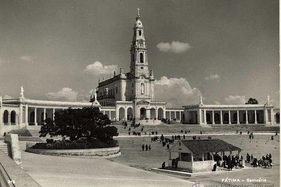VAN PRIVATETOURFátima,Nazaré和Óbidos