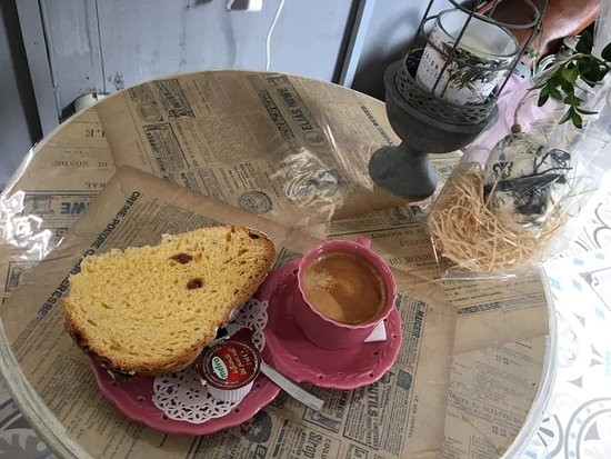 Coffee break in Shabby Caravan – obrázok