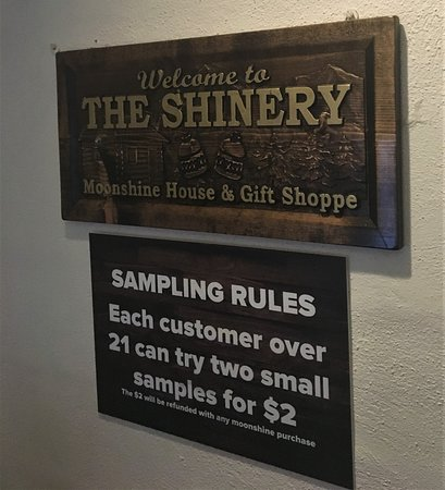 ‪The Shinery Moonshine House‬