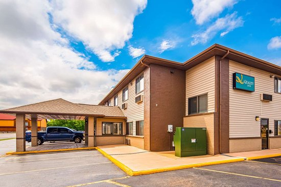 Tomah, WI: Hotel exterior