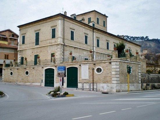 Palazzo Laureati