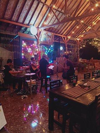 Penida Minang Resto & Bar