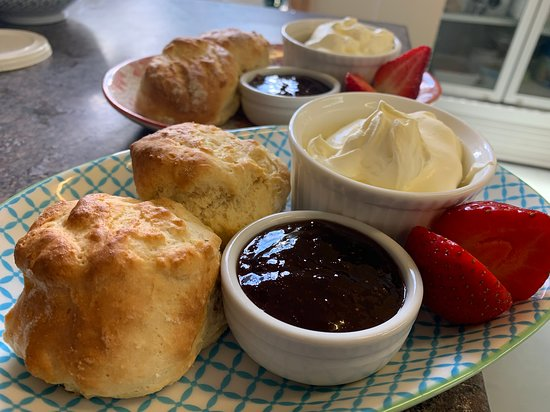 Windermere, ออสเตรเลีย: Saturday is Devonshire tea day :))
