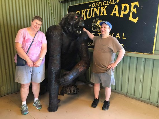 Skunk Ape Research Center: Skunk Ape Research Headquarters, Ochopee, FL. Photo courtesy of Captain Bubby's Island Tours.