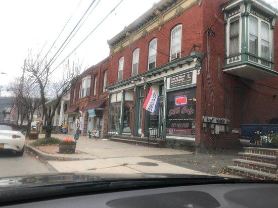 Bainbridge, NY: Cute luncheonette down the road