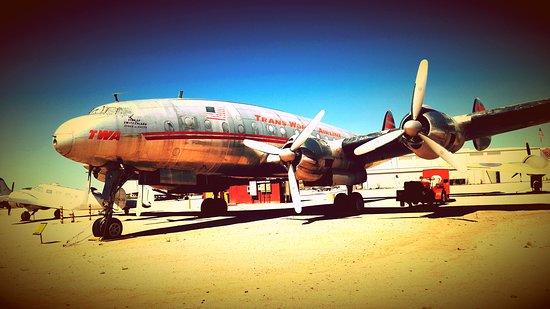Lasnigo, Italia: Hughes Constellation 1956,the best airplane of 50's years.