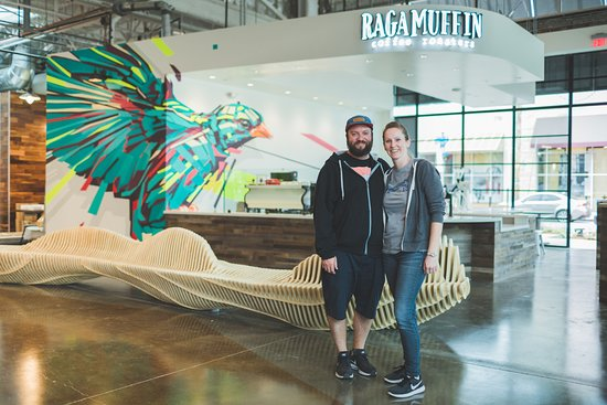 Newbury Park, קליפורניה: Owner's Shawn and Sarah Pritchett love coffee and community.  They started roasting coffee in 2010 and have since grown Ragamuffin Coffee Roasters two two locations (one in Newbury Park and one at the Collections in Oxnard). It is their passion to bring people together over cups of coffee, delicious pastries, and collaborations such as brewing coffee beers with local breweries.
