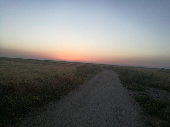 Rabe de las Calzadas, Испания: Amanecer.