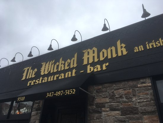 The Wicked Monk: Crab cakes.