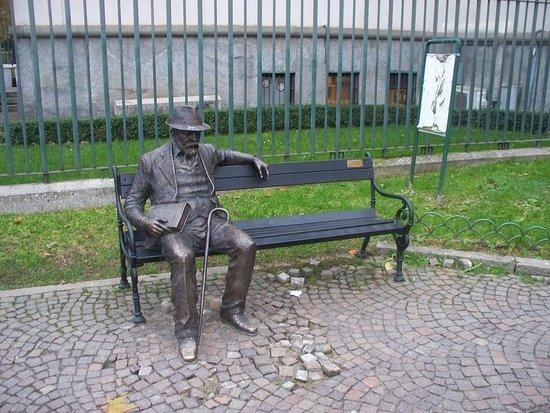 Monumento a Pencho Slaveykov