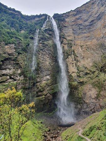 Catarata De Gocta, caminata de 5kms que realmente vale la pena hacer, una vez que llegas es realmente impresionante y hermoso.
