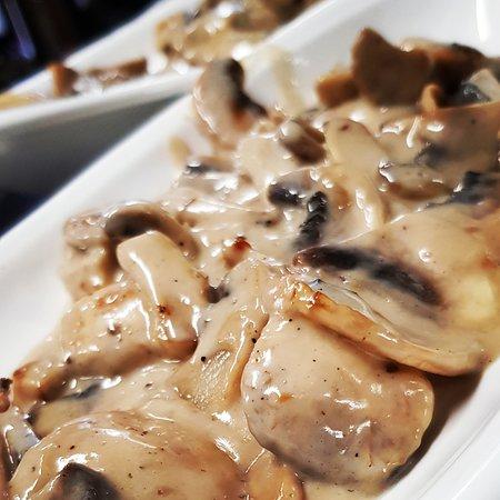 funghi champignon con cognac e panna