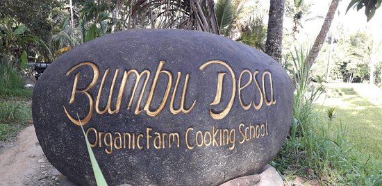 Bumbu Desa Cooking School