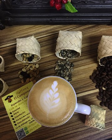 Un excelente lugar para disfrutar de un delicioso café coatepecano, acompañado siempre de un panecito o galleta del día.