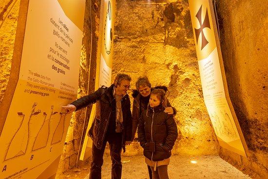 Nouveau circuit 'Secrets sous la ville' dans les souterrains de Laon (ici, séquence dans le silo)  © Benjamin Teissedre  #souterrainsdelaon #secretssouslaville #audioguide
