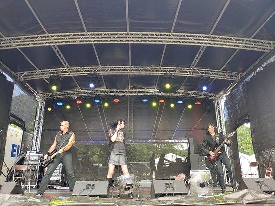 Inkubus Sukkubus live on main stage