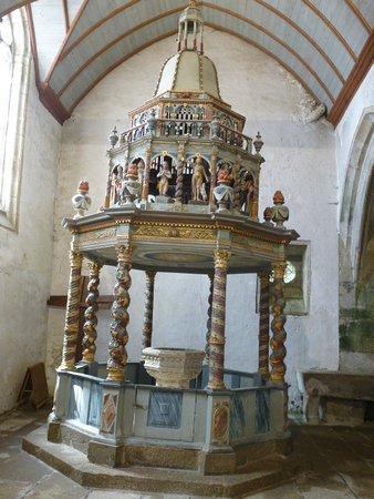 Lampaul-Guimiliau, Fransa: Fonts baptismaux (XVIIè)