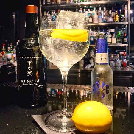 Gintoneria Cocktail Bar