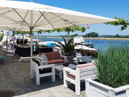 Gottlieben, Suiza: Terrasse am Seerhein