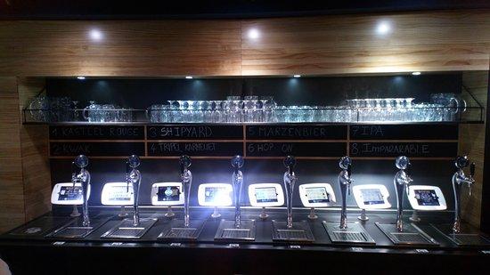 8 grifos de la cerveza de autoservicio