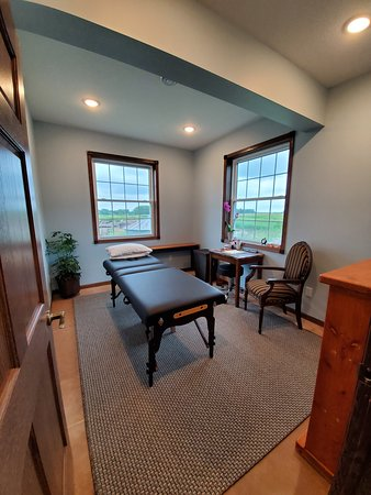 Hutchinson, MN: Physical therapy & Reiki