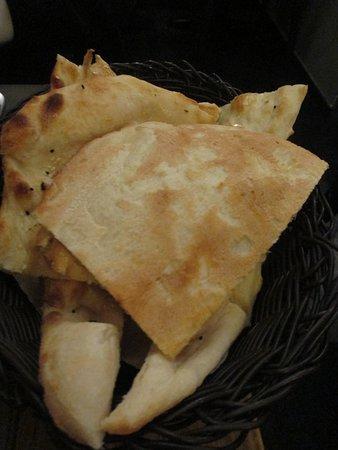 Leuven, Indian restaurant Masalatop, free papads to start
