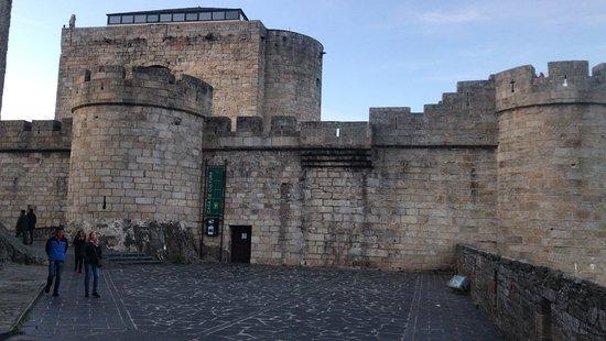 Puebla del Principe, Испания: Castilla en Puebla de Sanabria. Muy bien conservado y con muy buenas vistas. Hay que pagar para entrar dentro pero merece la pena.