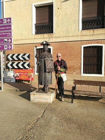 Revenga de Campos, Spain: Monumento al peregrino