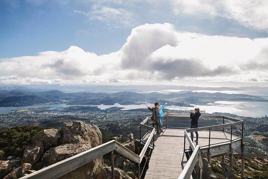 Localing Private Tours Tasmania