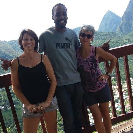 Soufriere Quarter, St. Lucia: Journée fantastique avec mes profs!😉 Beautiful scenery! Wonderful people! CustomTours758