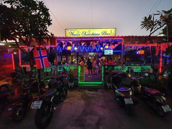 Nana Sunshine Bar