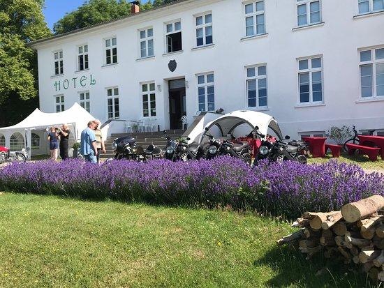 Klein Strömkendorf, Германия: Treffen der Giganten, Münch-Motorräder, Bikertreffen der Oberklasse .. tolle Maschinen und Benzingespräche