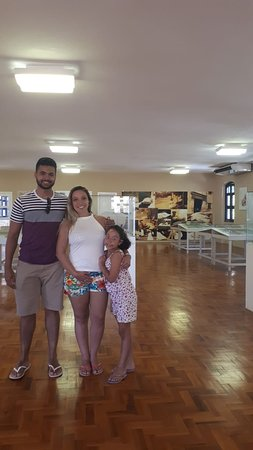 Turistas visitando a Casa de José de Alencar