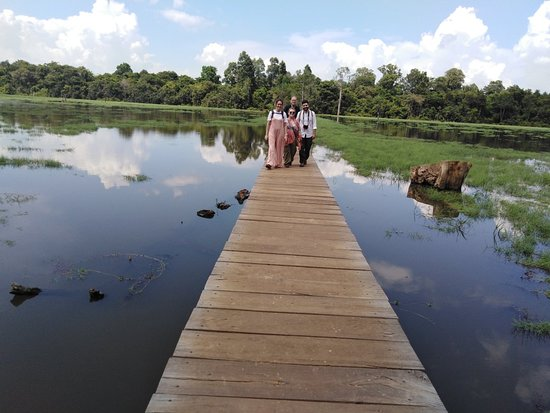 Angkor Guide Em Somuch